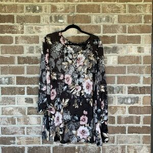 Avenue Black Floral Long Sleeve Textured Top 30/32
